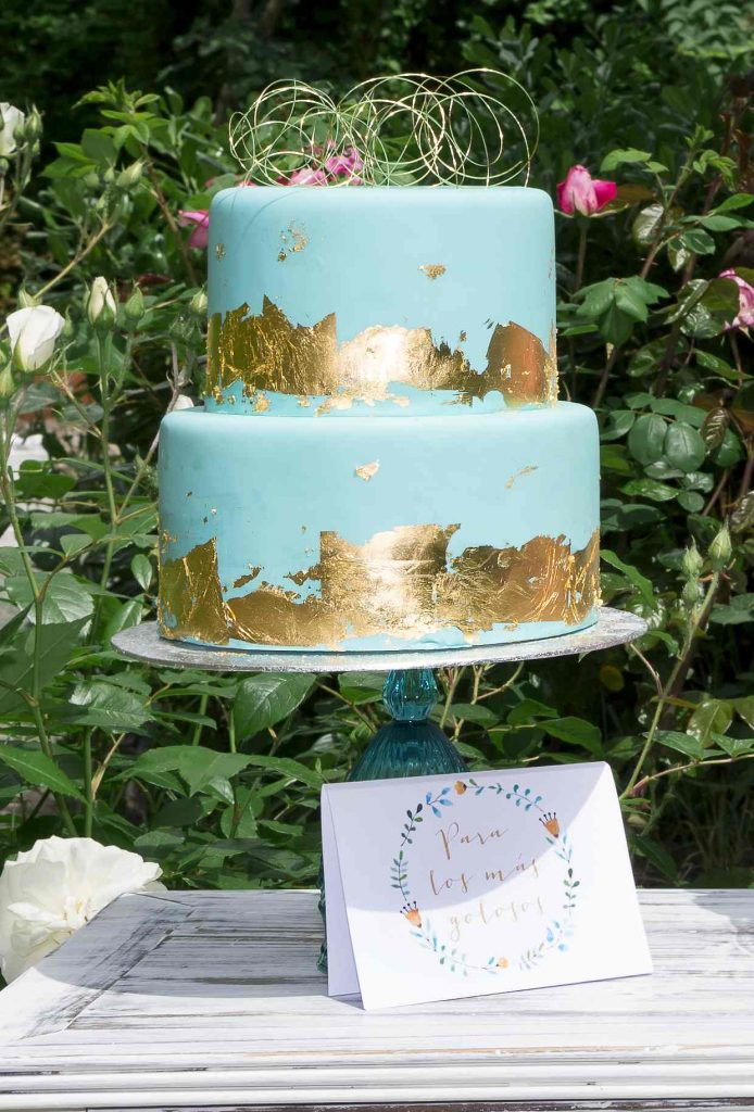 organizacion-boda-madrid-tarta-azul-oro-8